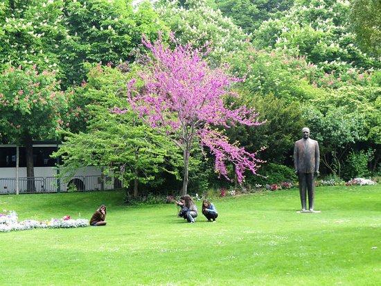 Statue de Georges Pompidou