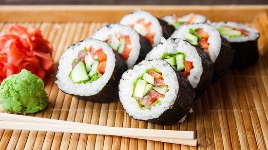 Restaurante Gugu's Express - Cocina China: Gastronomia Oriental en Buffet por Kilo Excelente