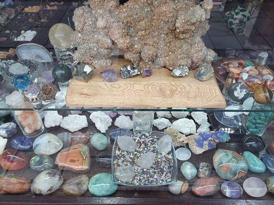 Naturalis Crystals and Precious Stone Shop
