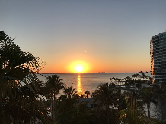 Bay View Suite - Sunset Views