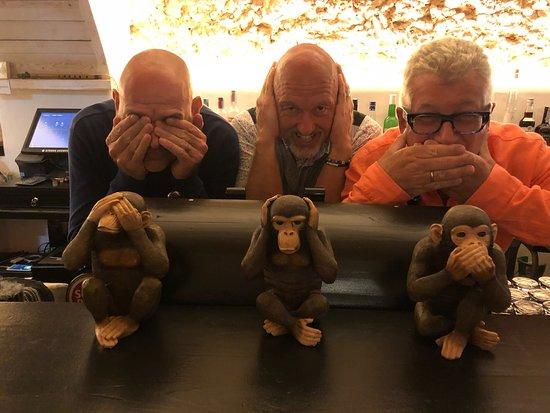 Os Tres Macacos