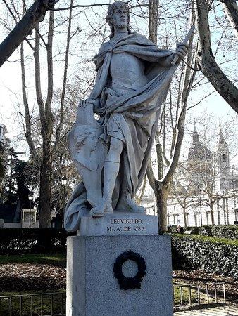 Estatua Leovigildo