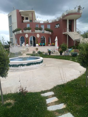 Belsh, Albânia: Tufa Restorant