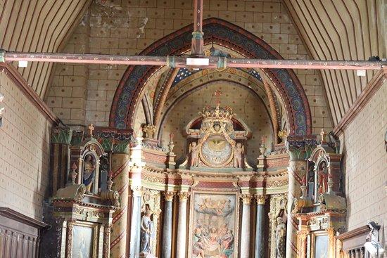 Grez-Neuville, France : le retable de l'autel - En fait, il y en a trois