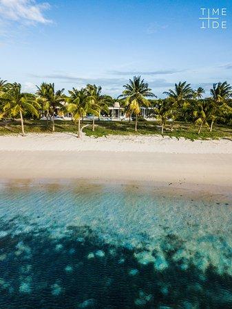 Every villa at Time + Tide Miavana has direct beach access.