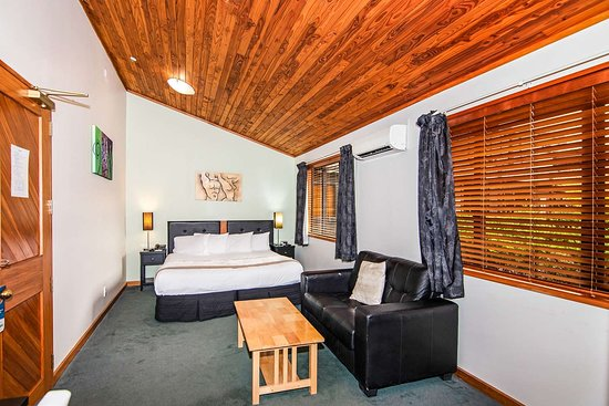 Quality Hotel Marlborough: Guest room with sitting area