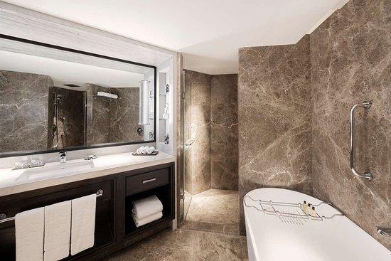 Shangri-La's - Eros Hotel, New Delhi: Specialty Suite