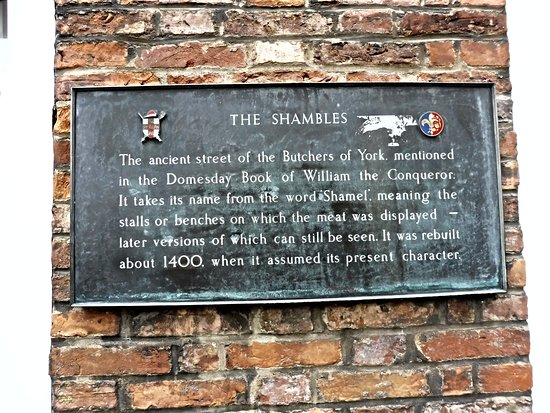 Τα Shambles: The Shambles Plaque