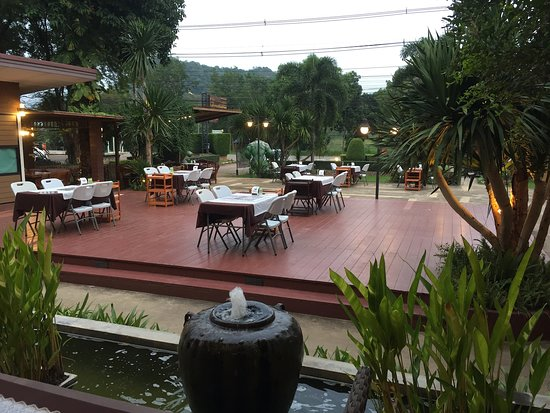 Pak Chong District, ไทย: Restaurant has open air, undercover and aircon restaurant areas