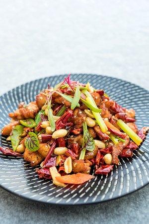 爆炒小公鸡  Wok fried spring chicken with chili