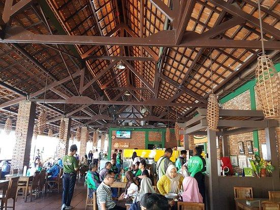 Lombok Idjo Setiabudi