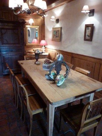 Ringendorf, فرنسا: Pâques au restaurant dans la petite stub. 