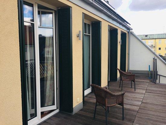 Die Premium-Doppelzimmer verfügen über Balkone zum ruhig gelegenen Innenhof