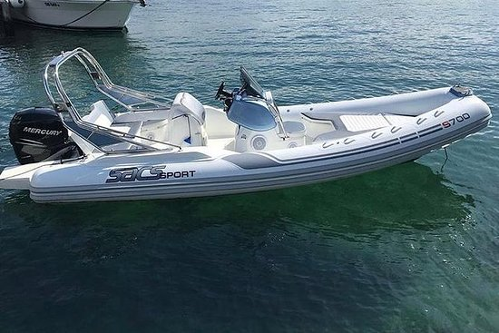 赫瓦尔和帕克莱尼岛一日游从斯普利特出发,乘坐快艇游览