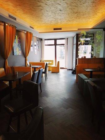 Hi5h Indian Restaurant & Lounge Bar: Hi5h