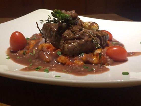 Wine&Bistro Chura: Beef top round