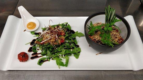 La Cafetière Fêlée: Tartare de bœuf à la tigre, coupé au couteau, pignons et mayonnaise sriracha