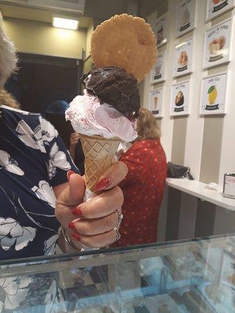 Le Creme: Ice Cream Cone