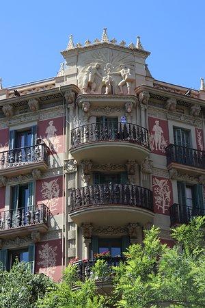 Casa Dels Cargols