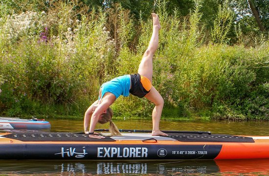 Pershore, UK: We teach SUPYoga every month on the tranquil river Avon.