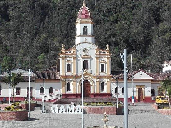 Gama, Kolumbia: Iglesia nuestra señora del Carmen