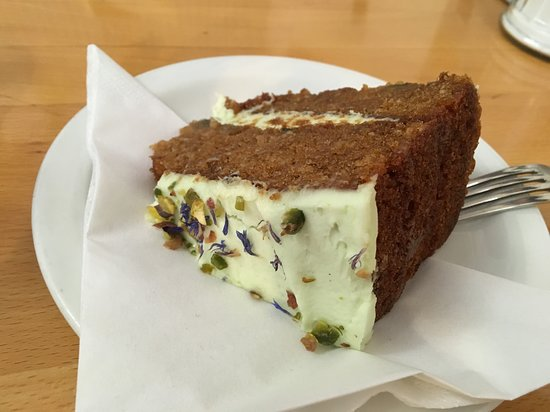The Green Yard Cafe: Avocado and Courgette Cake - Gluten Free