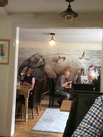 The Green Yard Cafe: Inside decor