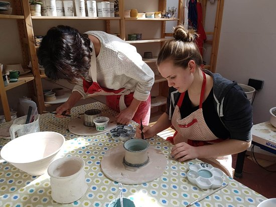 Clay with Carole: painting pots