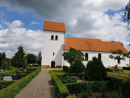 Lindeballe Kirke