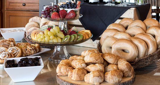 La Conner Country Inn: Continental Breakfast