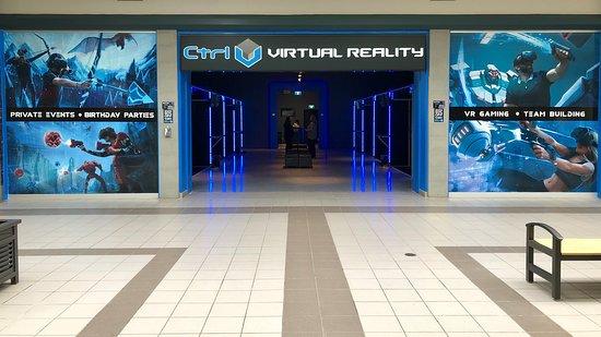 Lindsay, แคนาดา: Arcade Entrance - Interior