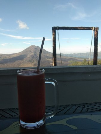 Lunch with batur Mountain view