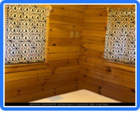 Deer Haven Campground & Cabins: Bedroom