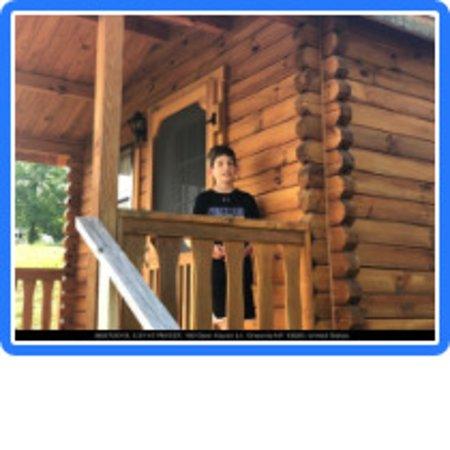 Deer Haven Campground & Cabins: Porch
