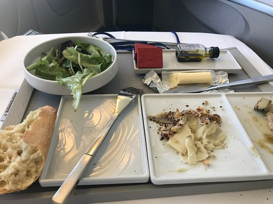 KLM Royal Dutch Airlines: Air France - in flight catering