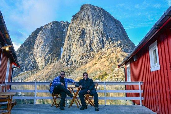 Lofoten Islands, Noruega: Nos hemos puesto melancólicos y hemos escrito nuestros 12 imprescindibles en Lofoten...¿quieres saber  cuáles son? viajes.chavetas.es