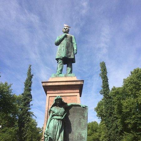 Johan Ludvig Runeberg Statue