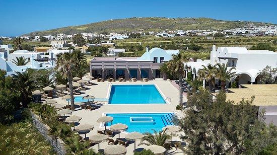 9 Muses Santorini Resort: POOL