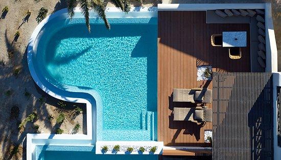 9 Muses Santorini Resort: Superior Suite with private pool