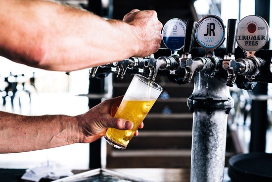 Saltwater Phillip Island: Best Local Wines and Beers on tap.