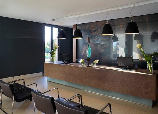 9 Muses Santorini Resort: Reception