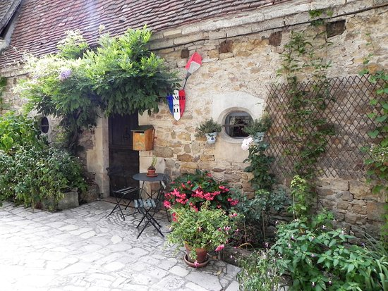 France Just for You: Ambiance in rural France - away from the beaten paths