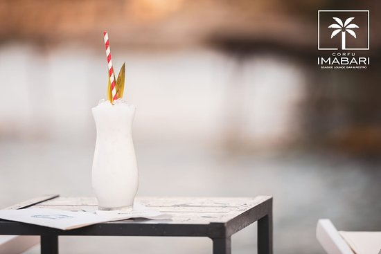 Discover our exotic cocktails by the sea!