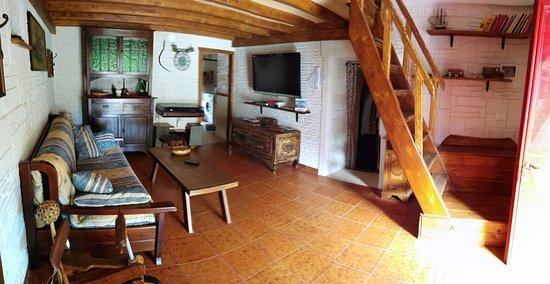 Ceglie Messapica, Taliansko: All'interno della struttura troverete una sala confortevole, munita di tv, divano letto, aria condizionata e la scala che conduce alla zona notte soppalcata