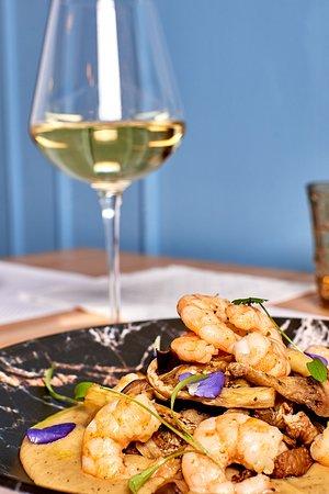 MANIMA - Bistrot: Gamberi in tempura di lager e curcuma