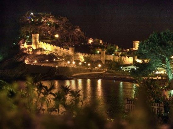 Can Sophia: Tossa by night