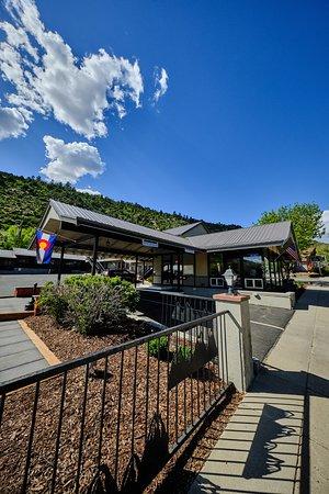 Lobby gathering area – Bild från Adventure Inn Durango, Durango - Tripadvisor