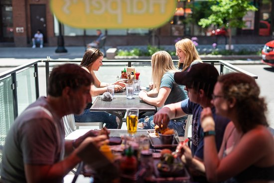 Harper's Burger Bar: Sunny Sidewalk Patio