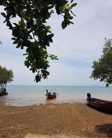 How beautiful of Amazing place,,Railay beach,,Krabi Thailand,   Another world,,I love this place,Relaxing,,  Peoples very Lovely,,