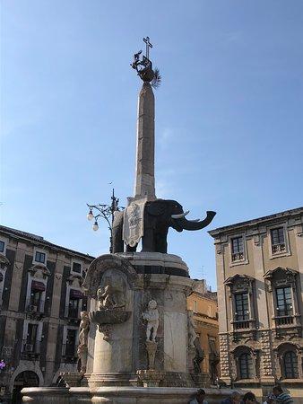 Fontana dell'Elefante, Catania